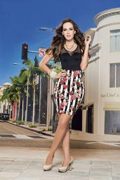 Para ir a la oficina, traemos tendencias de temporada esta colección, ¡Busca el look T&T que más te guste! http://jeanstyt.com/portfolio-items/falda-barcelona/