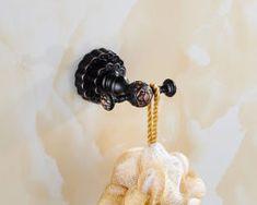 Luxusný háčik na stenu do kúpeľne v čiernej farbe