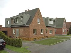 Straßenansicht Süd-West - Haus Vannauer - Umbau und Aufstockung eines Siedlerhauses