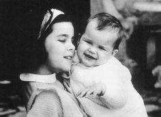 Caroline with her baby sister Stéphanie
