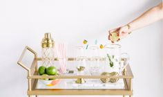 Do you want to spruce up your bar cart before a holiday celebration? A bar cart is a fun way to get any party started. Spruce up your bar cart! Drinks Tray, Bar Cart Styling, Beautiful Space, Bar Carts, Trays, Blog, Home Decor, Style, Swag