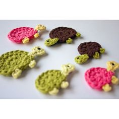 Mom and Baby Turtle Applique Crochet Ahh Ineed to learn to chrochet these are way way too cute!