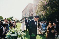 Outdoor ceremony | Borgo Stomennano Wedding Venue | Tuscany Italy | Destination | Wedding Le Spose di Gio Wedding Dress |  Marshal Gray Photography | http://www.rockmywedding.co.uk/carolina-navneet/