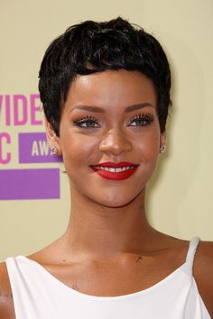 Rihanna Hair She can go from this short natural cut, to long hair in one day.  Looks beautiful in every hairstyle, from funky to classic.