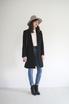 Style Bee - 1 Formula - 3 Ways Winter Wear, Autumn Winter Fashion, Winter Style, Modest Casual Outfits, Black Outfits, Gamine Style, Korean Outfits, Capsule Wardrobe, Dress To Impress