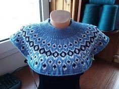 Knitting Machine Patterns, Knitting Stitches, Knitting Needles, Crochet Hooded Scarf, Knitted Poncho, Knit Crochet, Icelandic Sweaters, Shoe Pattern, Knitting Videos