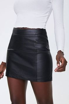 Faux Leather Skirt, Leather Mini Skirts, New Look Leather Skirt, Leather Dresses, Skirts With Boots, Fall Skirts, Winter Fashion Outfits, Trendy Outfits, Fall Outfits