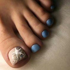 Make an original manicure for Valentine's Day - My Nails French Nails, French Pedicure, Pedicure Nail Art, Toe Nail Art, Pretty Toe Nails, Cute Toe Nails, My Nails, Pretty Toes, Beach Toe Nails