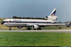 Delta Air Lines N808DE McDonnell Douglas MD-11 aircraft picture