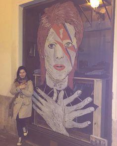 DavidBowie, UrbanArt, PalmaCity, ChinaTown, BowieArt, BowieMusic,  El Duque Blanco y la nieta del Duque.  Bowie forever⭐️⭐️.