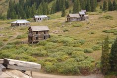 Take a look at these Colorado ghost towns. Did you know Colorado has over 1,500 ghost towns. Currently only about 640 remain. Due to incomplete record...
