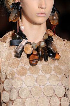 Customized Jewelry Marni at Milan Fashion Week Spring 2009 - Livingly - Marni at Milan Fashion Week Spring 2009 - Details Runway Photos Chunky Jewelry, I Love Jewelry, Statement Jewelry, Jewelry Art, Beaded Jewelry, Jewelry Design, Jewellery Earrings, Pearl Jewelry, Insect Jewelry