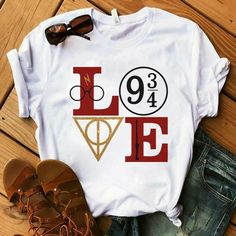 Harry Potter Love T Shirt This t-shirt is Made To Order, one by one printed so we can control the quality. Estilo Harry Potter, Harry Potter Outfits, Harry Potter Love, Harry Potter World, Harry Potter Clothing, Harry Potter Fashion, Harry Potter Accessories, Harry Potter Symbols, Harry Potter Gifts
