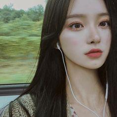 something special ♡ Pretty Korean Girls, Korean Beauty Girls, Cute Korean Girl, Pretty Asian, Asian Beauty, Asian Girl, Ulzzang Girl Selca, Mode Ulzzang, Ulzzang Korean Girl