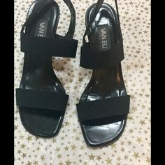 Van Eli comfy sandals Sz 9.5 These Van Eli are very comfy and in good condition. Vaneli Shoes Sandals