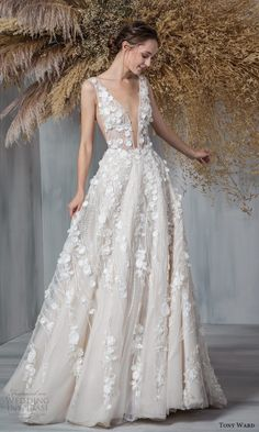 Sexy Wedding Dresses, Bridal Dresses, Gown Wedding, Tony Ward Bridal, Designer Wedding Gowns, Wedding Wishes, Bridal Lace, Bridal Collection, Chapel Train