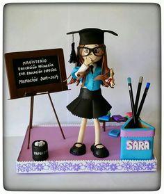 Fofucha graduada. Profesora.