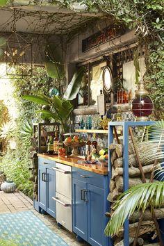 Basic Kitchen, Summer Kitchen, New Kitchen, Kitchen Decor, Boho Kitchen, Hippie Kitchen, Kitchen Rustic, Out Door Kitchen Ideas, Earthy Kitchen