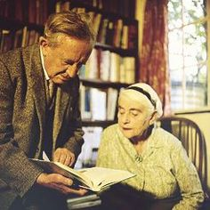 """and Edith Tolkien in Oxford, 1961 Beren y Lúthien """" Jrr Tolkien, I Love Books, Books To Read, Reading Books, Midle Earth, Jazz, Writers And Poets, High Fantasy, Lord"""