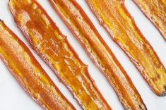 Everyone loves bacon, but the greasy side can leave you feeling sluggish and full. This savory carrot bacon is tasty, healthy bacon for clean eaters.