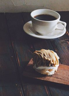 .perfect morning combo for a cozy autumn morning  #cupamonth www.cupamonth.com