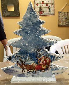 Christmas Porch, Christmas Makes, Blue Christmas, Rustic Christmas, Handmade Chr. Christmas Porch, Christmas Makes, Noel Christmas, Rustic Christmas, Handmade Christmas, Vintage Christmas, Christmas Decoupage, Painted Christmas Ornaments, Wood Ornaments