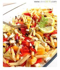 Ensalada de pasta y frutas - La dieta ALEA - blog de nutrición y dietética, trucos para adelgazar, recetas para adelgazar Pasta Salad, Cantaloupe, Chicken, Fruit, Ethnic Recipes, Food, Diet Ideas, Queso, Cooking