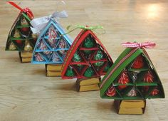 Alica's: SOS80 - Christmas trees full of kisses