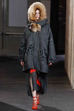 Preen by Thornton Bregazzi Fall 2014 Ready-to-Wear Collection Slideshow on Style.com