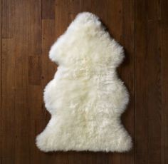Love how much texture this can bring to a room. Cozy and fluffy. #rhbabyandchild #fallinlove