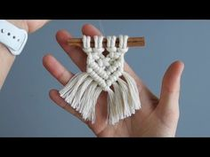 12 Days of Christmas! Day DIY 6 Minute Macrame Cinnamon Stick Tree Ornament - Free Online Videos Best Movies TV shows - Faceclips Macrame Wall Hanging Diy, Macrame Art, Macrame Knots, Macrame Supplies, Macrame Projects, Micro Macramé, Macrame Design, 12 Days Of Christmas, Canada Christmas