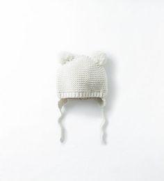 Bonnet avec pompons-Bonnets, écharpes et gants-Accessoires-Bébé garçon (3mois-3ans)-ENFANTS | ZARA France