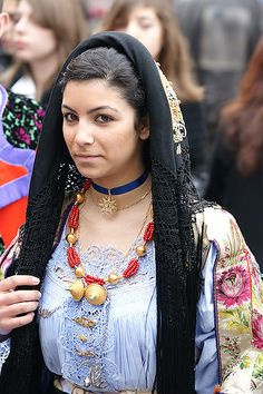 I have always adored traditional Italian veils like this. #Italy #Italian #Sardinia