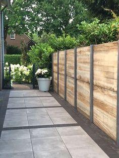 59 Amazing Backyard Privacy Fence Design Ideas - How to Build a Wood Privacy Fence Backyard Privacy, Backyard Fences, Garden Fencing, Backyard Landscaping, Landscaping Ideas, Privacy Fence Landscaping, Diy Fence, Garden Trellis, Fence Ideas