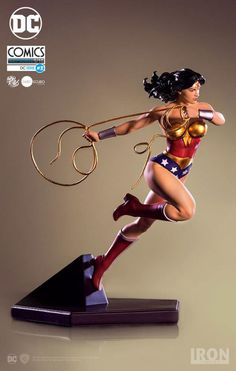 DC Comics Wonder Woman Statue im Kunstmaßstab (Ivan Reis) Wonder Woman Kunst, Wonder Woman Art, Wonder Women, Michael Turner, Batman The Dark Knight, Dc Comics Art, Comics Girls, Justice League Aquaman, Apollo Statue