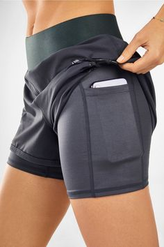 Yoga Shorts, Running Shorts, Gym & Workout Shorts for WomenFabletics Boutique - My LooksGo on and glow for it in our high-shine run short, built with a compression underlayer, moisture-wicking fabric and internal pocket. Trend Fashion, Sport Fashion, Fitness Fashion, Fitness Wear, Style Fashion, Running Fashion, Fashion Beauty, Women's Fashion, Fashion Women