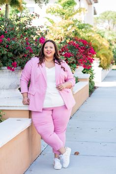 Look Of Pink Plus Size Suit – Estrella Fashion Report Pink Suit, Red Suit, Plus Size Suits, Plus Size Women, Fall Looks, Summer Looks, Suits And Sneakers, Plus Size Summer, Winter Outfits Women