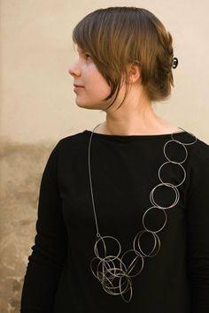 KLÁRA CHRUDINOVÁ-CZ Kruhy, náhrdelník, 2012