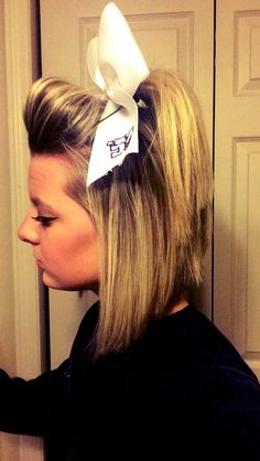 Cheerleader Hairstyles cheer hairstyle this is pretty for cheer but are coach doesnt let us 58ec44d05fd7fb0730da48e9e5d879e5jpg 6401136 Pixels
