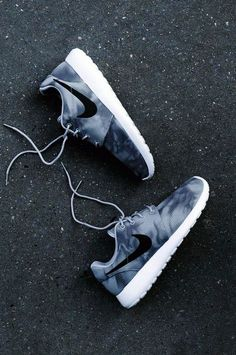 Amazing with this fashion Shoes! get it for 2016 Fashion Nike womens running shoes for you! Nike roshe run shoes for women and mens runs hot sale. Browse a wide range of styles from cheap nike roshe run shoes store. Nike Free Shoes, Nike Shoes Outlet, Running Shoes Nike, Shoe Outlet, Running Shoes For Women, Nike Shoes For Girls, Teen Shoes, Mens Running, Running Gear