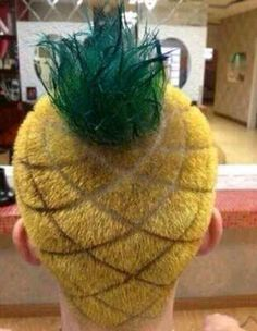 Pineapple Haircut - Of The Craziest Haircuts Ever. Crazy hair day at school next year! Hair Pineapple, Pineapple Yellow, Crazy Hair Days, Bad Hair Day, Lange Blonde, White People, Funny Pictures, Haircut Styles