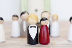 Isn't this cute?!  She explains how to paint them and shows a few varieties to try.  Love the idea of a couple to put out at their Anniversary or whatever!
