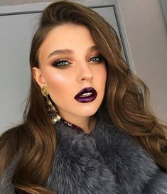 Looking for ideas for autumn bridal look? In our gallery you'll find glamorous fall wedding makeup inspiration, and be sure you'll like it. Fresh Wedding Makeup, Wedding Hair And Makeup, Bridal Makeup, Makeup Inspo, Makeup Inspiration, Makeup Ideas, Makeup Tutorials, Beauty Make-up, Beauty Hacks