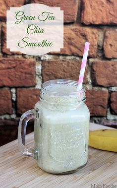 Green Tea Chia Smoothie Recipe (dairy-free, vegan) #vegan #mybloom #smoothie