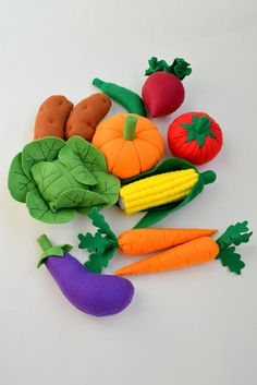 Set of 11 felt vegetables Felt food Garden Kitchen toys Play Food Play cafe Birthday gift East Felt Diy, Felt Crafts, Diy And Crafts, Crafts For Kids, Toddler Gifts, Toddler Toys, Toddler Bed, Felt Food Patterns, Felt Fruit
