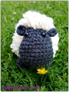 Heribert das Schaf  Nach der Anleitung für das Schaf Schantalle aus dem Wollowbies Buch