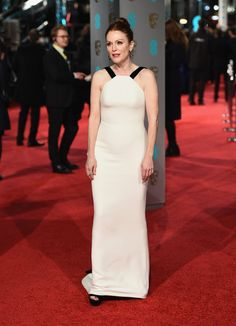 Julianne Moore Photos Photos - Julianne Moore attends the EE British Academy Film Awards at the Royal Opera House on February 14, 2016 in London, England. - EE British Academy Film Awards - Red Carpet Arrivals