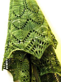 Ravelry: Traveling Woman pattern by Liz Abinante Knit Or Crochet, Lace Knitting, Crochet Shawl, Shawl Patterns, Knitting Patterns, Crochet Patterns, Knitting Ideas, Knitted Poncho, Knitted Shawls