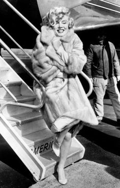 Fashion icon: Marilyn Monroe :: La Guardia 1959