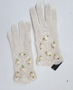 1950s white crochet gloves with rosettes   vintage gloves   ladies tea and garden party gloves   small - medium  The Molly Gloves by VivianVintage8 on Etsy